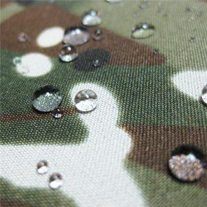 teflon 100% polyester tkaný nepremokavý vonkajšie vojenské kamufláž dažďovej bundy tkaniny